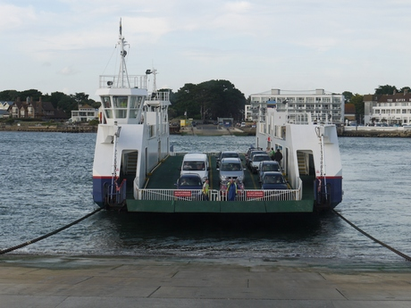 The chain ferry arrives