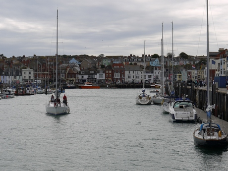 Weymouth: cloudy with flashes of sun