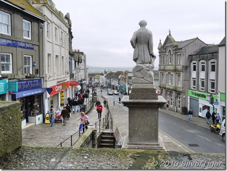 Sir Humphry Davy surveys the High Street