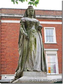 Jubilee statue of Queen Victoria
