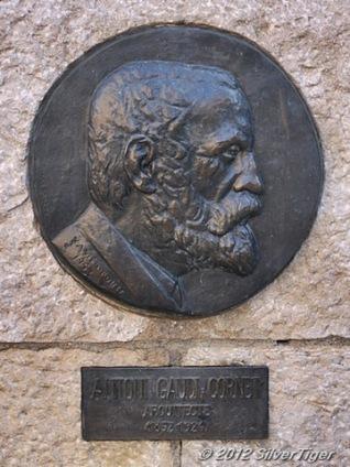 Gaudí plaque