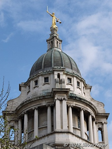 Justice atop the Old Bailey